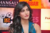 Shruti haasan glamorous photos-thumbnail-2