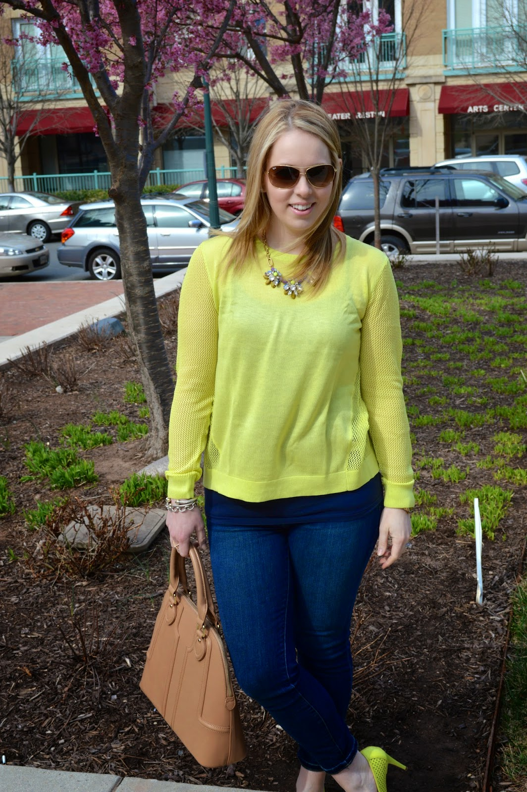 spring-time-look-lime-green-sweater