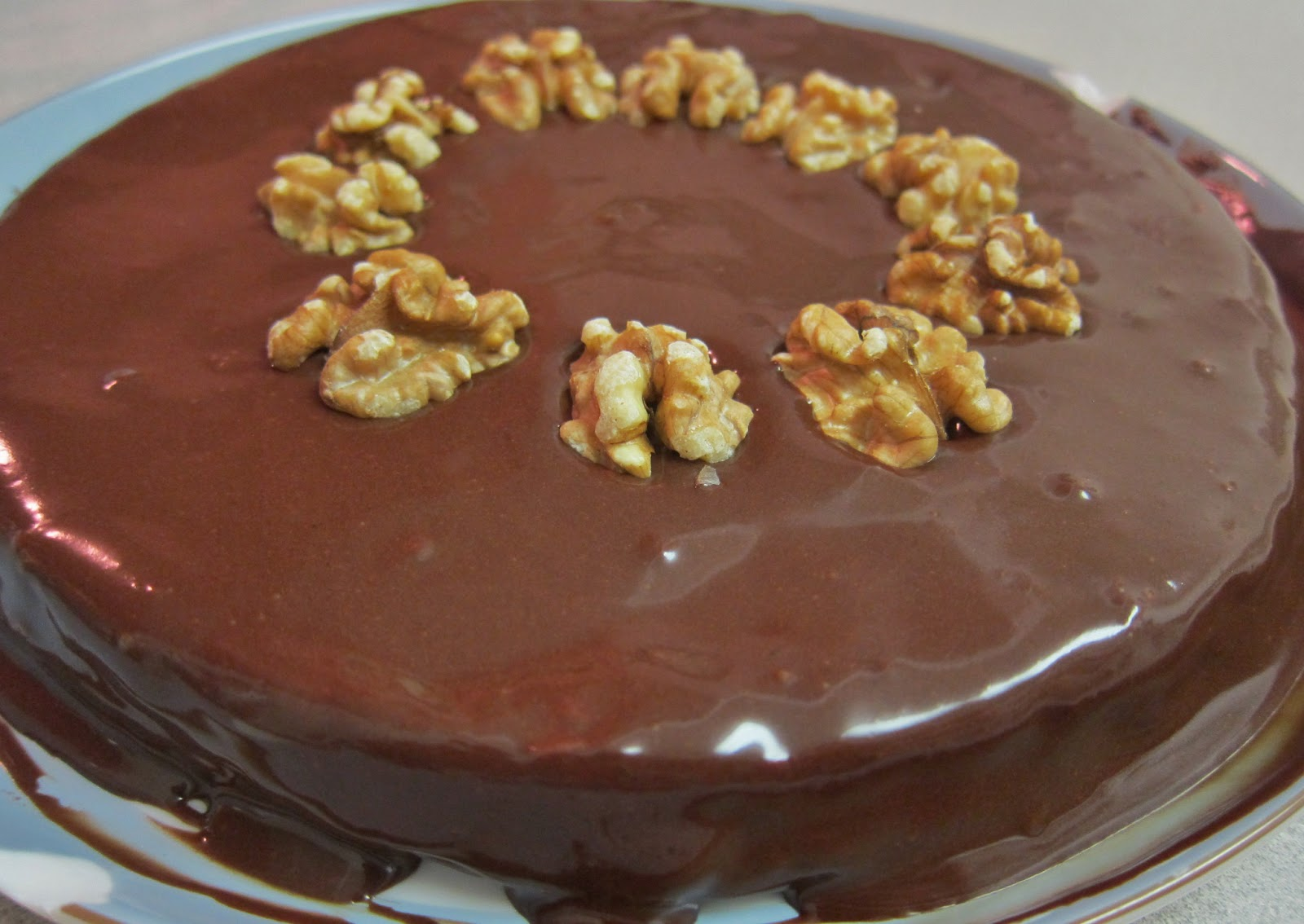 Chocolate Walnut Cake Images : The Vegan Chronicle: Chocolate-Walnut Cake