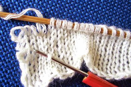 knitting border suitable for hand knitting and machine knitting