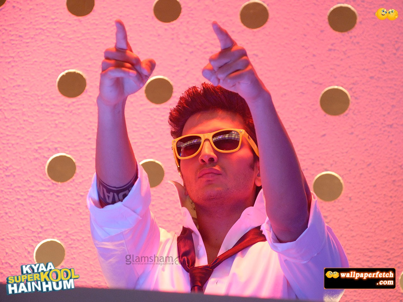http://1.bp.blogspot.com/-c7XCGfrxqi4/T9ynWmbAkJI/AAAAAAAAAMQ/t_mO71DQE-g/s1600/kyaa-superkool-hain-hum-wallpaper-05-12x9.jpg