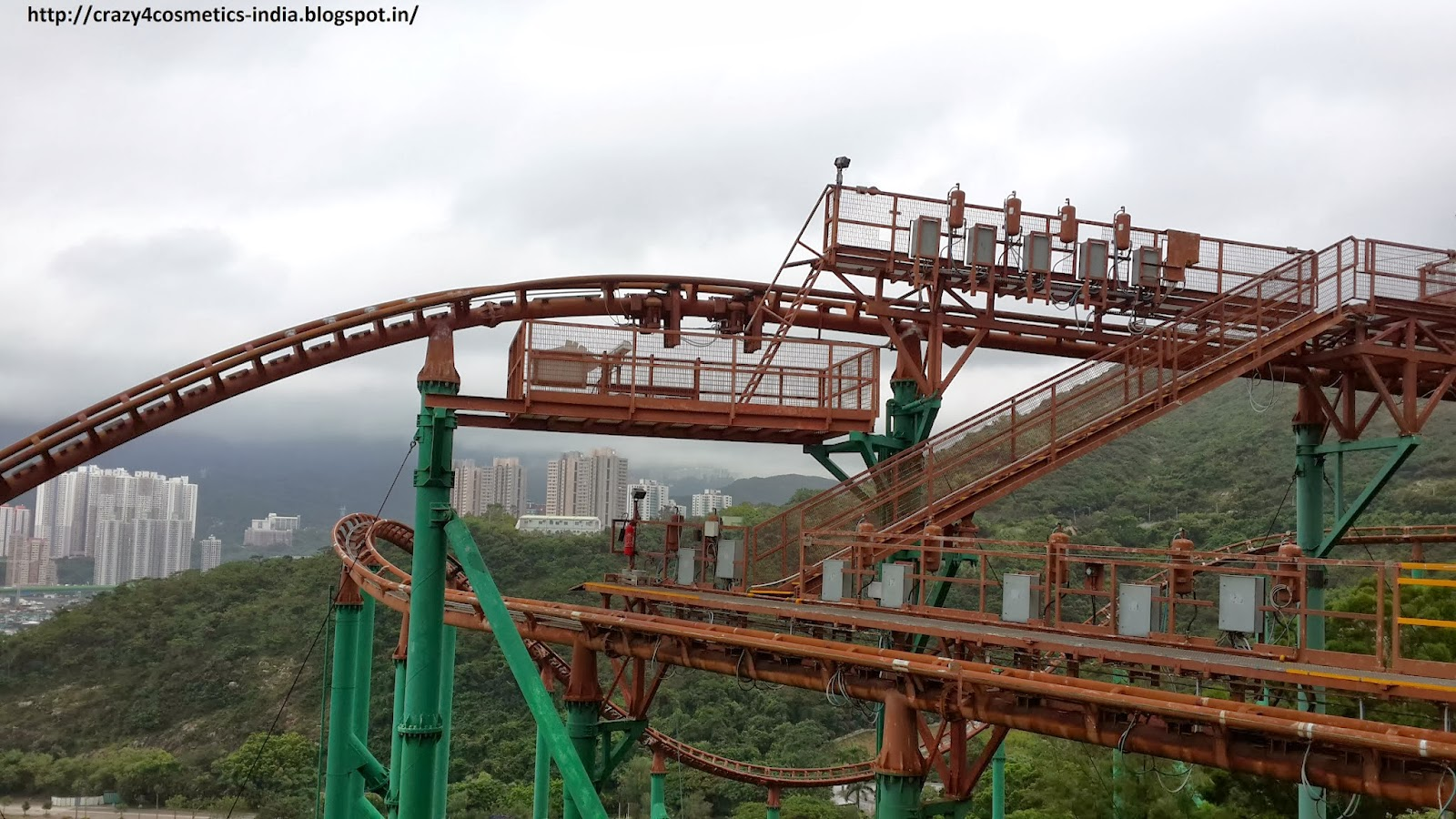 Hongkong Ocean Park mine train