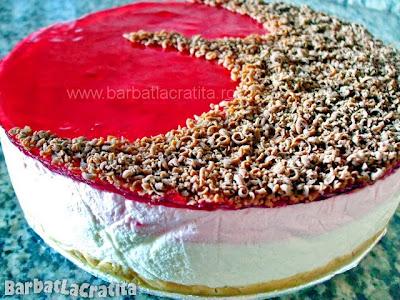 Tort de iaurt fructe cu blat biscuiti
