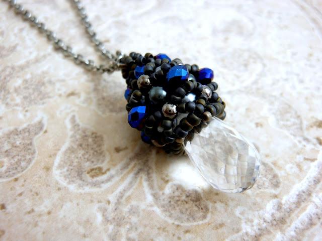 Quartz beaded bead