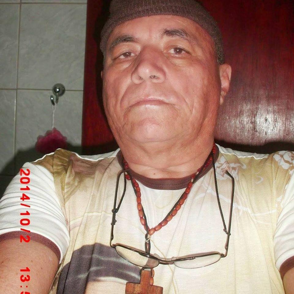 O AUTOR EDITOR  DESTE  BLOG CHICO DO RÁDIO  SOU  FRANCISCANO  SEM SER  FRADE OU PADRE