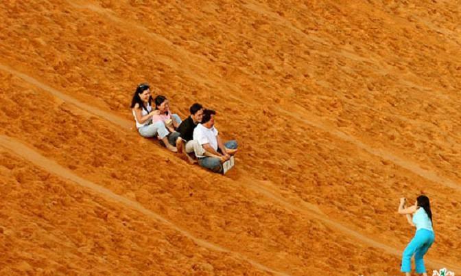 vui chơi ở Đồi cát bay mũi né