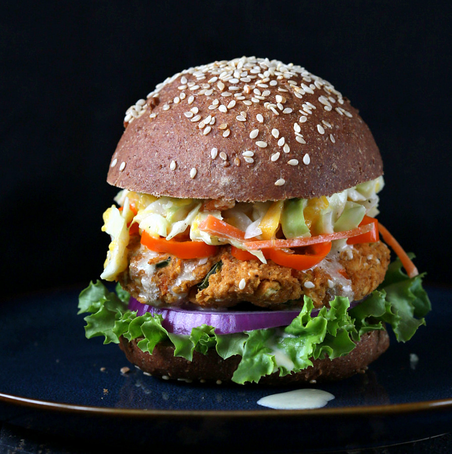 BBQ Lentil Veggie Burger with Mango Carrot Slaw. Vegan Recipe - Vegan ...