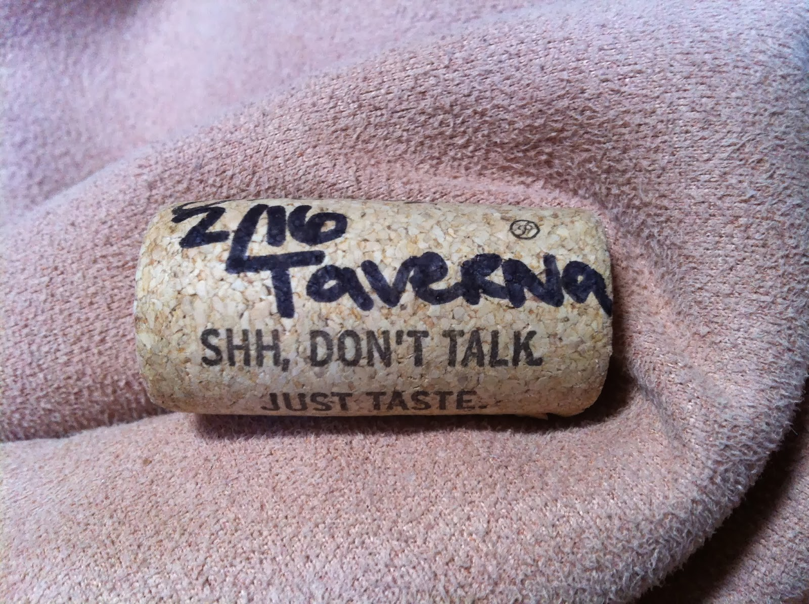 wine, tavera, cork
