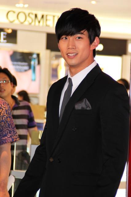 my best fren 4ever: [Photo] 120131 Ok Taec Yeon on Grand
