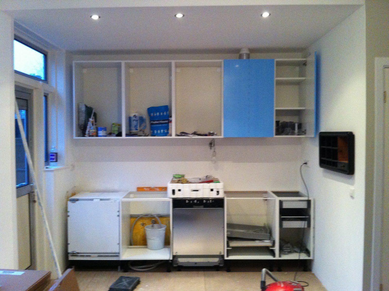 Keuken Lampjes: Keuken lampjes onder kastjes hoogglans witte poederlak ...