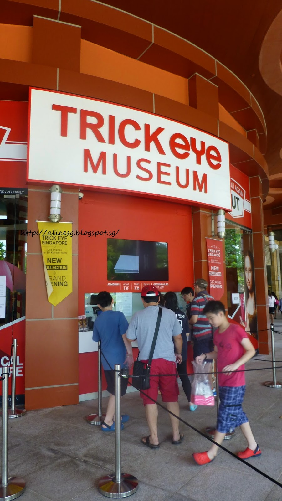 Alicesg Singaporemyhome Trick Eye Museum Singapore At Resort World Tiket Trickeye My Best Friend And I Had A Blast Of Time Sentosa Although We Are In Our Fifites But Really Very Young Heart