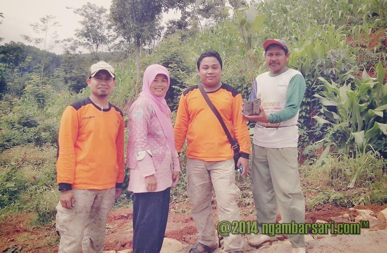Penanaman Pohon Untuk Peduli Lingkungan Ngambarsari