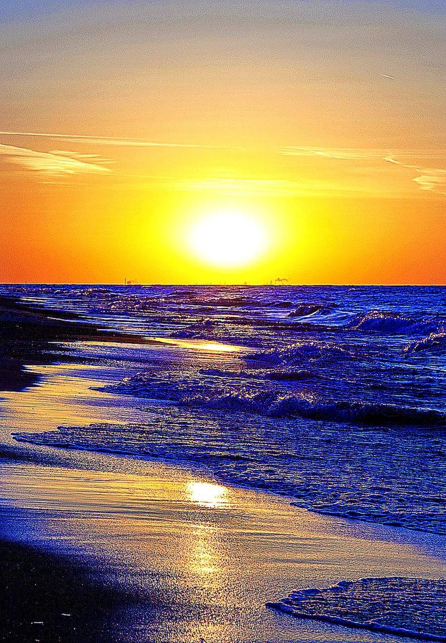 FREEIOS7  powerful sunset   parallax HD iPhone iPad wallpaper