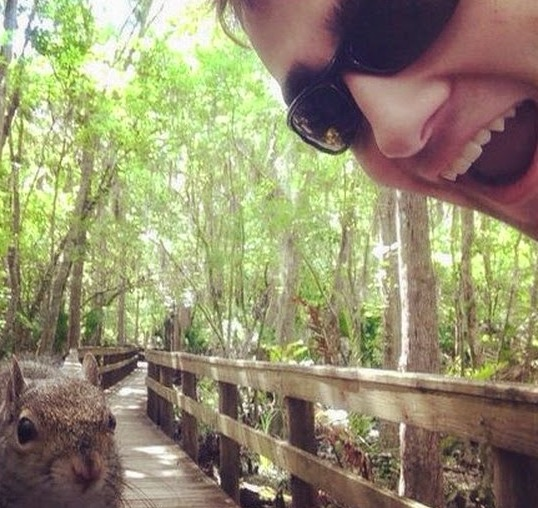 Foto Selfie yang Diambil Tepat Pada Masanya