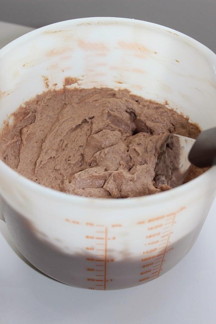 Suklaamoussetäyte täytekakulle - ilman liivatteita