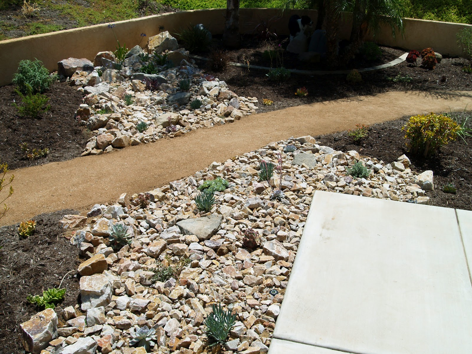 Landscaping Rock Vs Mulch : Glorious gardens hardscape vs softscape in landscaping