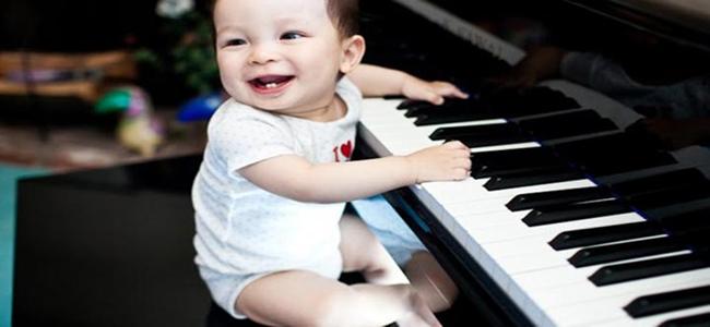 piyanist bebek