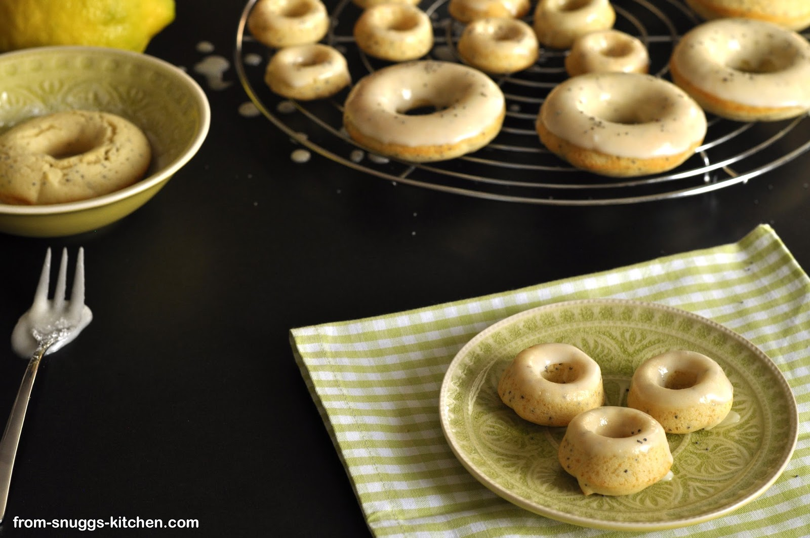 Lemon-Poppy Seed-Donuts; Donuts mit Zitrone & Mohn