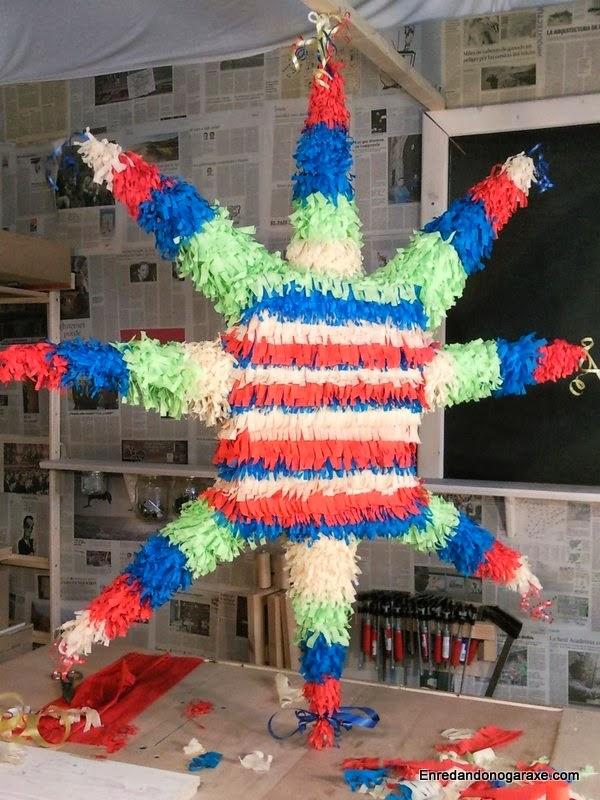 Piñata con forma de estrella terminada, enredandonogaraxe.com