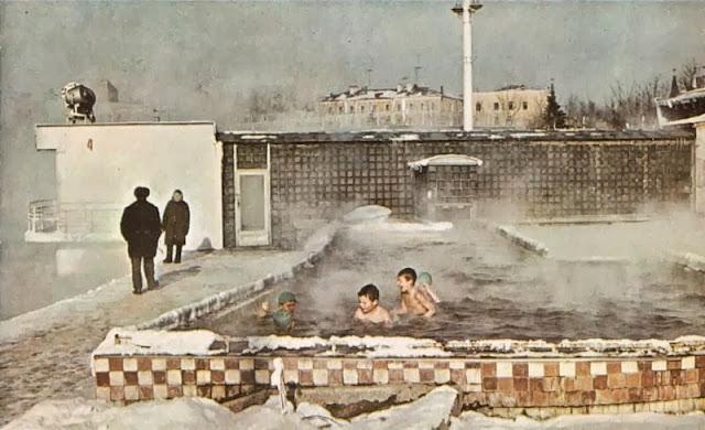 Baños Publicos Antiguos:VIZCAYADO: ANTIGUOS BAÑOS PÚBLICOS AL AIRE LIBRE EN EL CENTRO DE
