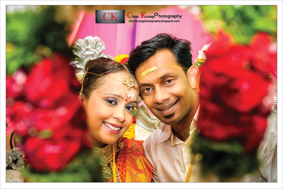 Engagement Photo, Freelance photographer, Indian Wedding Ceremony, Malaysia, Penang indian wedding photographer, Penang Waterfall Temple, Wedding Photo,
