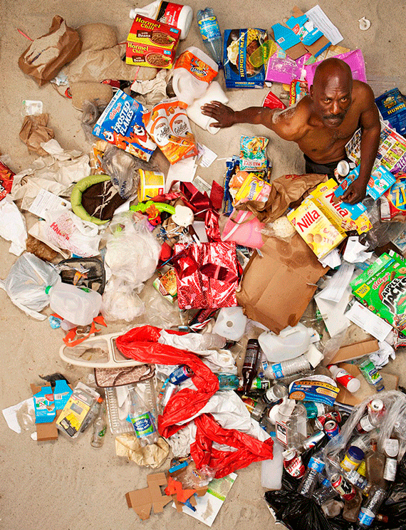 7 Days of Garbage ©Gregg Segal