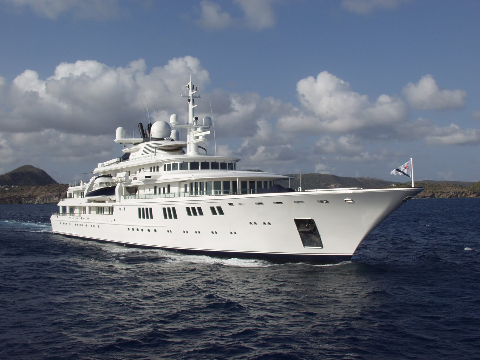Superyacht TATOOSH
