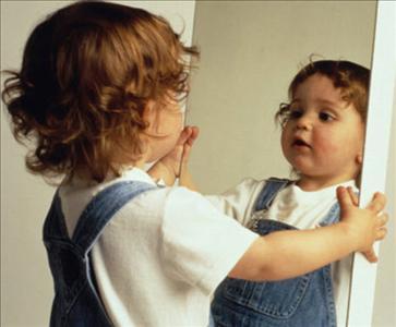 La crianza con apego es mi forma de cambiar el mundo en for Espejo de bebe para auto