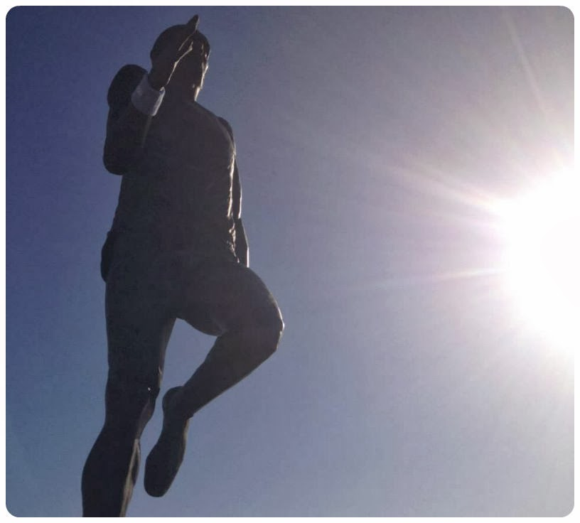 Brighton Half Marathon 2014 - Steve Ovett statue