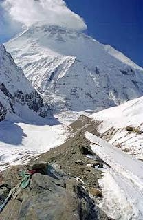 Gunung Cho Oyu        Tinggi : 8.201 m        Likasi : Nepal - Cina(Tibet)