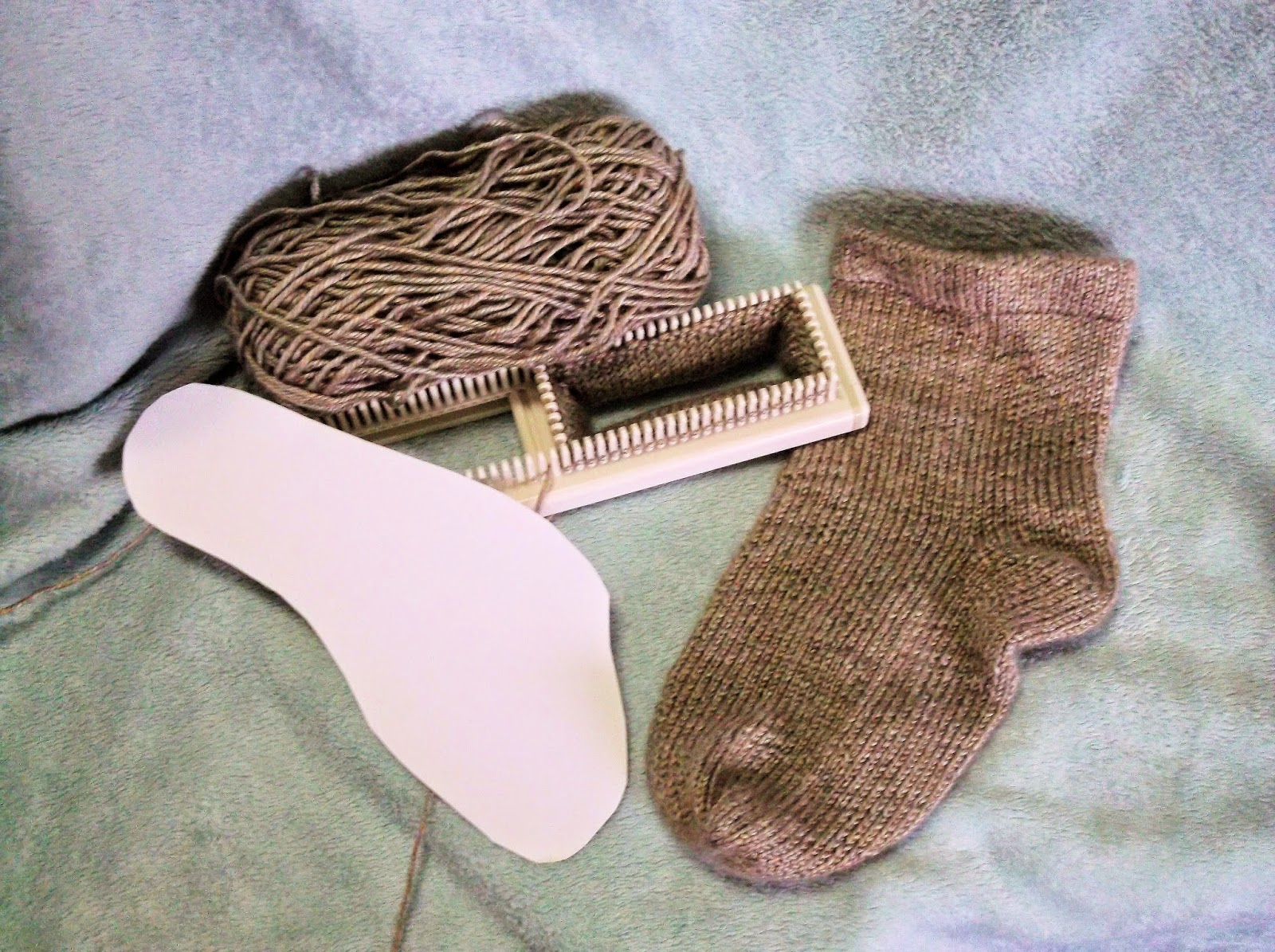 The Loom Muse : How to Loom Knit a Basic Sock to Fit Anyone
