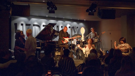 """my experience in watching a live jazz music from dag 120 thoughts on """" why does music feel so good """" i love many types of music- from jazz to bagpipes i don`t think i can live without my music."""