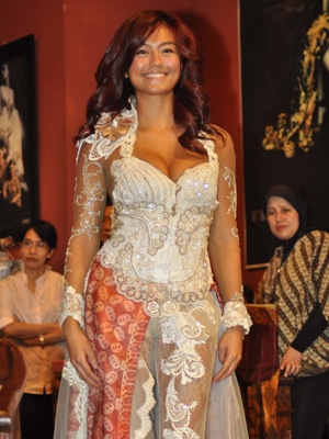 Artis Indonesia - Agnes Monica 10