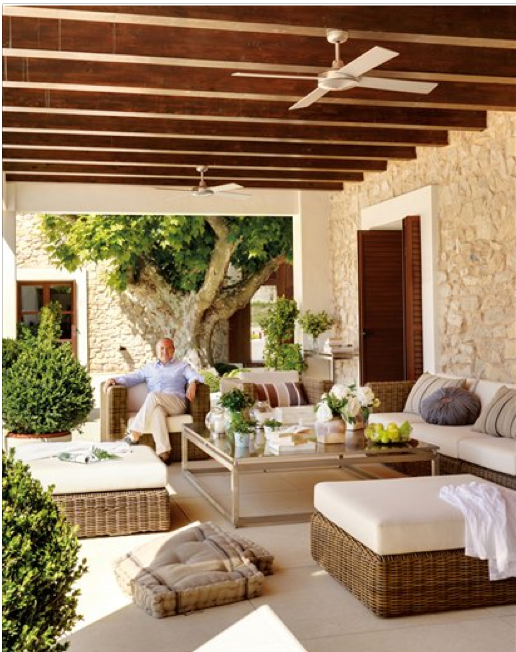 Casa tr s chic apostando no off white - Fotos de porches rusticos ...