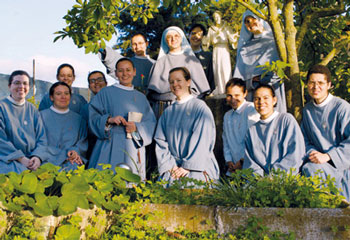 postulanti+suore+francescane.jpg