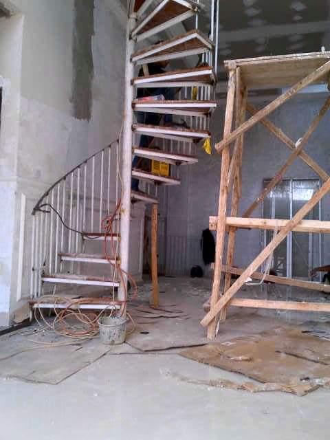 membuat tangga putar