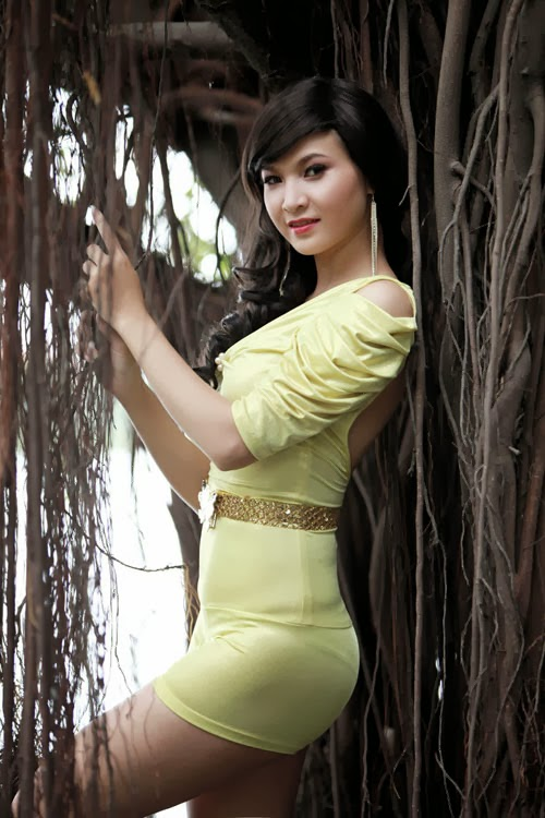 Ngắm đường cong gợi cảm nhất của hoa hậu Việt