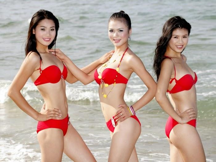 Hoa hau viet nam mac bikini toa sac o bai bien 2