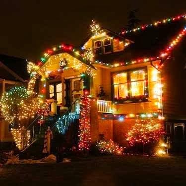 casa de natal Casa Enfeitada com Luzes para o Natal