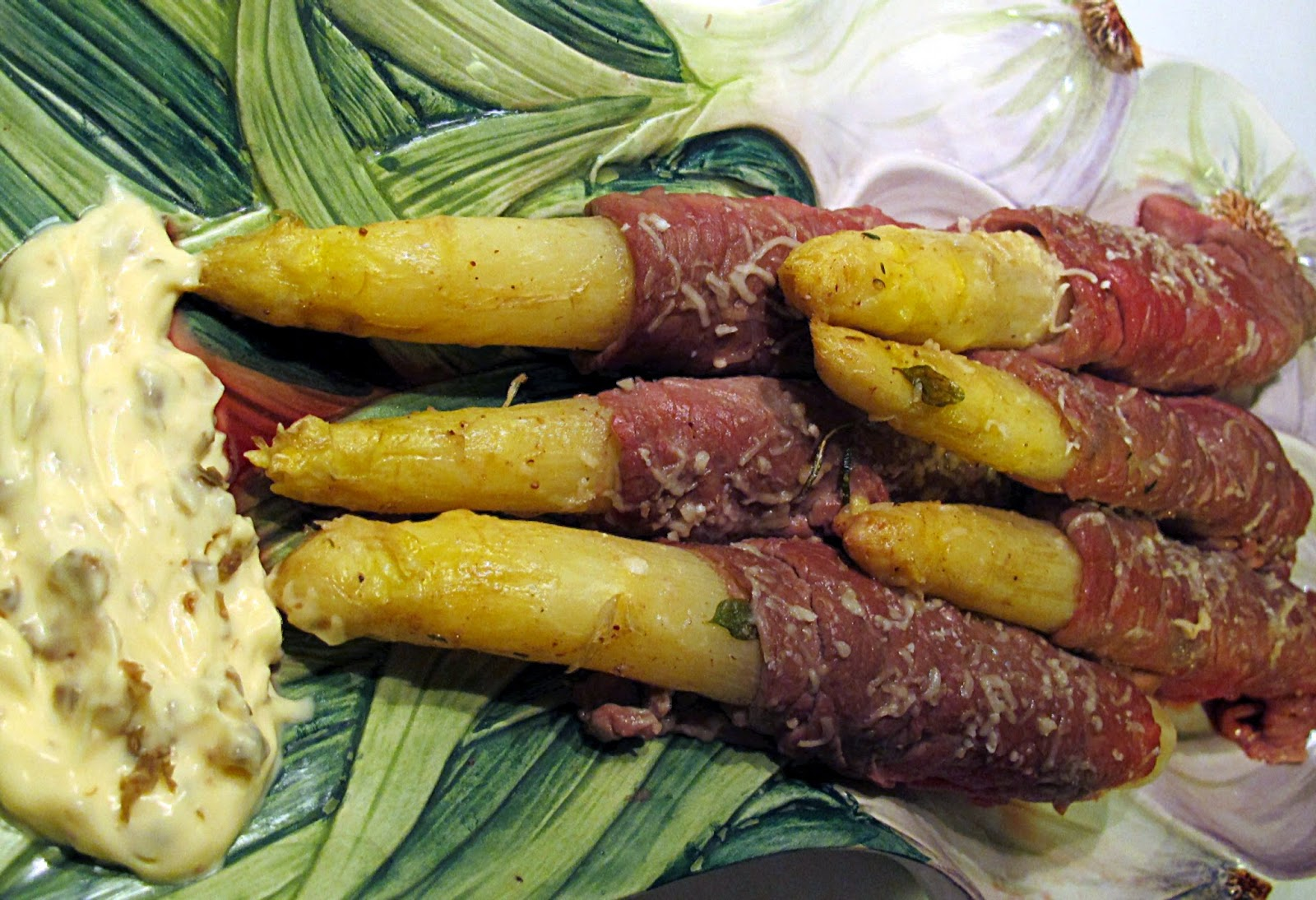 asparagi bianchi di bassano con carpaccio