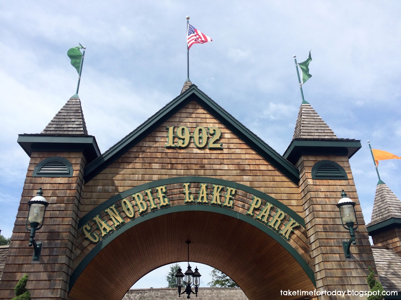 August 10, 2018: Swimming Pool Studying: Canobie Lake Park