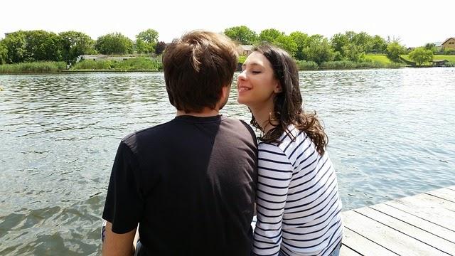15 Cara Membuat Cewek Klepek Klepek Jatuh Cinta