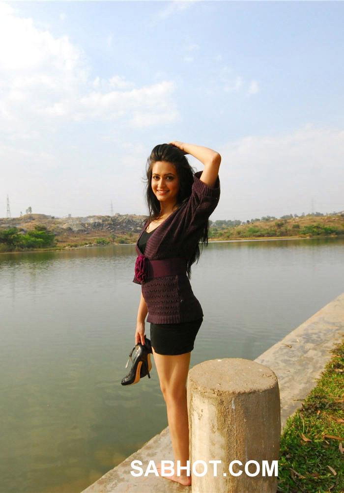 , Kriti Kharbanda Hot Pics