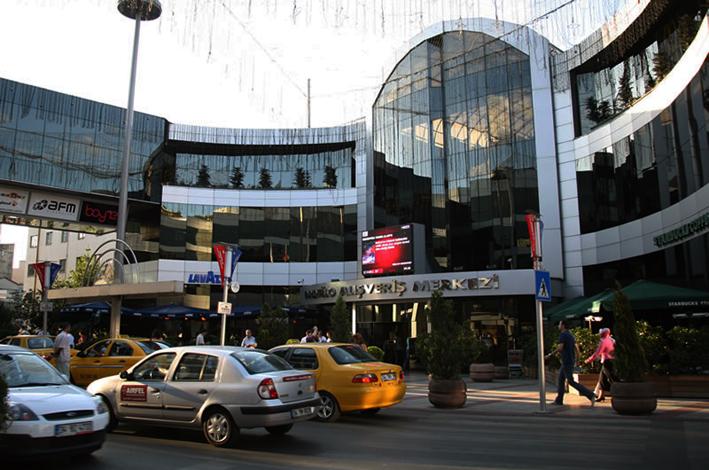 التنقل بالمترو إسطنبول
