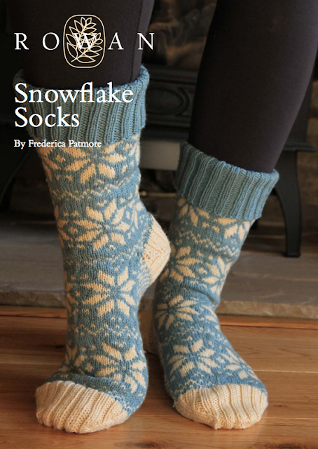The Vintage Pattern Files Free 1950's Knitting Pattern  - 1950's Style Snowflake Socks
