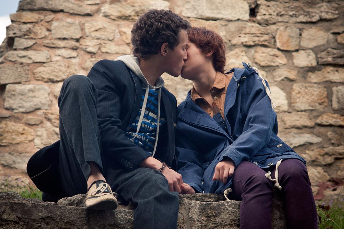 jungs küssen sich