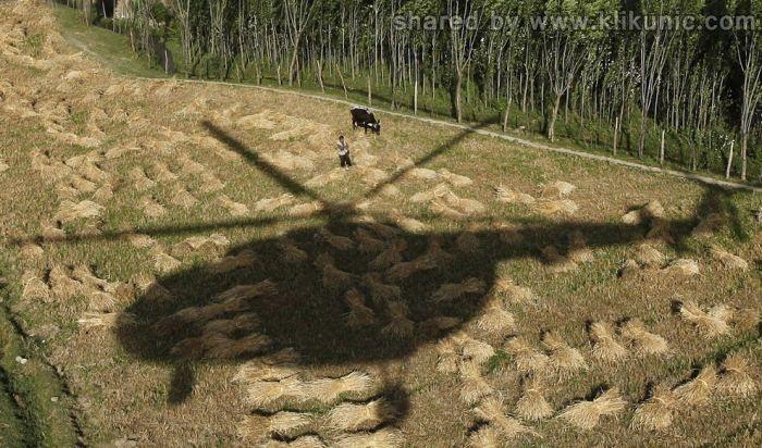 http://1.bp.blogspot.com/-cDNuMSFimJg/TX3oHqOvRlI/AAAAAAAARfo/ofPaqxBgOO0/s1600/shadow_09.jpg