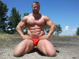 gay bodybuilder escort escort colore