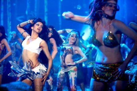Deepika Dum Maaro Dum Item Song Photos