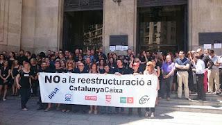 Vaga de 24 hores i manifestació dels treballadors contra l'ERO de CatalunyaCaixa